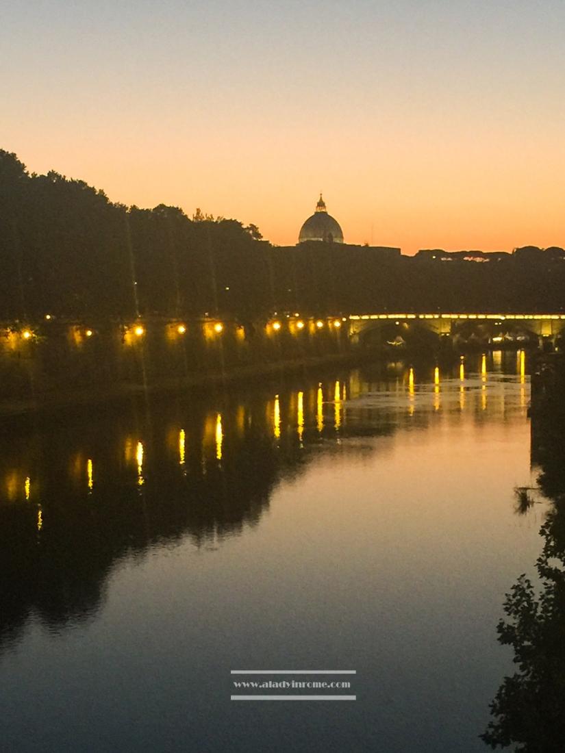 Sunset on river Tiber