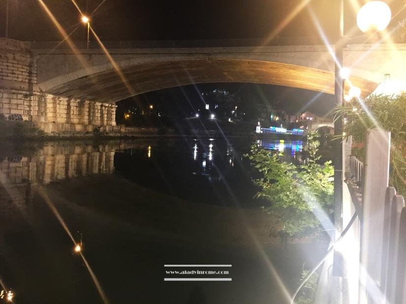 Under the bridge, Tiber, Rome